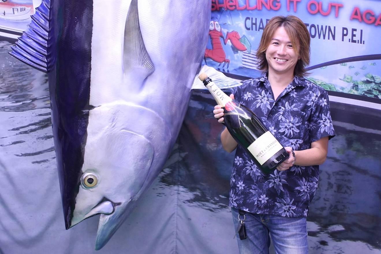 昼は魚を釣り、夜は女を釣る? 歌舞伎町元No.1ホストが、金より地位より「魚釣り」を選んだ理由