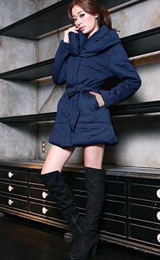 2013年秋冬のトレンドカラーはブルー! ネイビー! ブルーを主役にしたスタイルに注目♪<br><br>