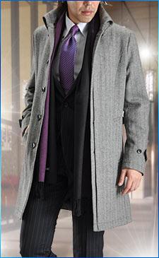 美シルエットのツイードコートにブランドネクタイ&細身スーツを合わせて洗練コーデ!<br><br>