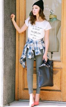 Yahooランキング1位獲得☆大HIT美脚デニムとトレンドシャツで魅せる王道カジュアルStyle!<br><br>